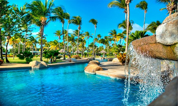THE GRENADINES – Palm Island Resort