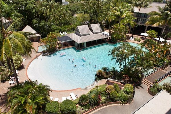 CAIRNS Novotel Cairns Oasis Resort – up to 30% Airline Staff Discount