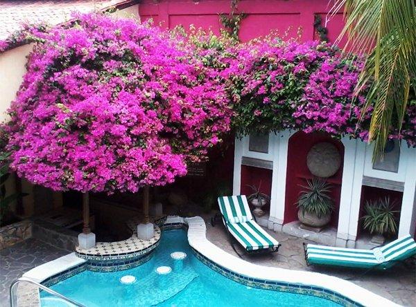GRANADA, NICARAGUA – Hotel Colonial Granada