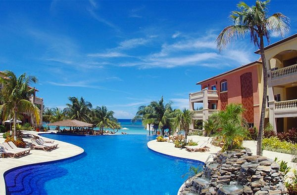 ROATAN, HONDURAS - Infinity Bay Spa & Beach Resort
