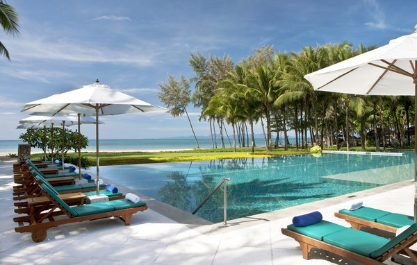 KRABI  Dusit Thani Krabi Beach Resort  up to 50% Airline Staff Discount/span>