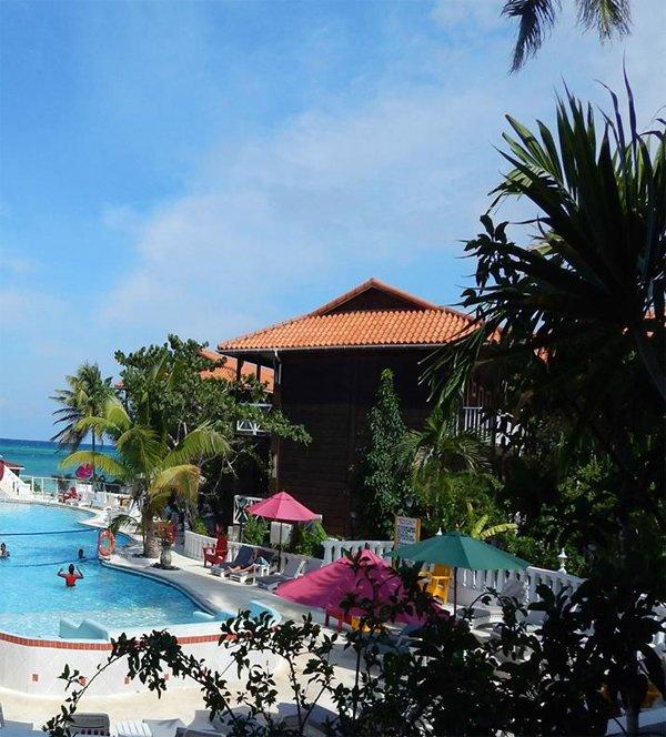 Mangos Boutique Beach Resort