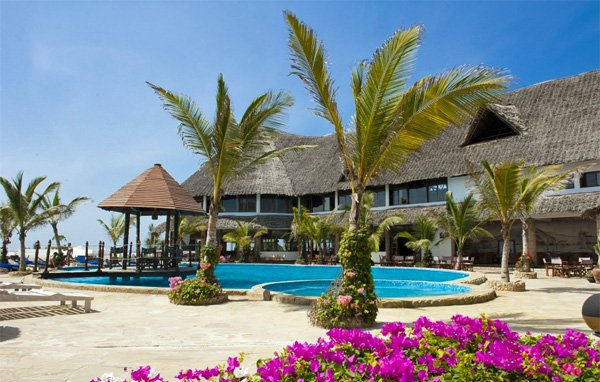 KENYA COAST – Jacaranda Beach Resort