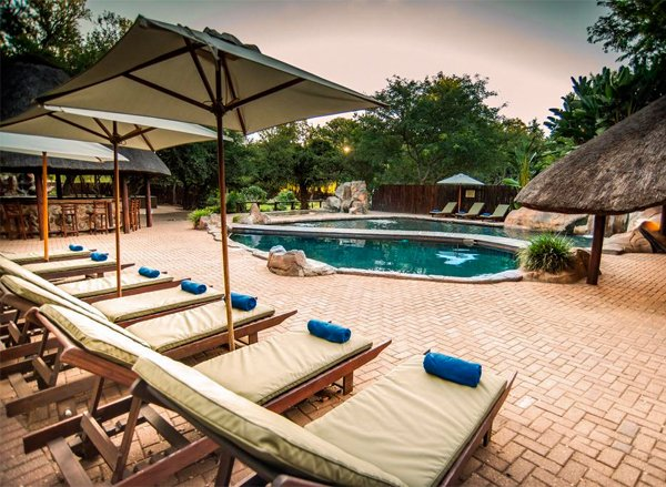 KARONGWE GAME RESERVE Shiduli Private Game Lodge – 30% Airline Staff Discount