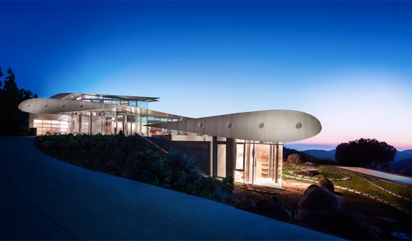 747 House Roof