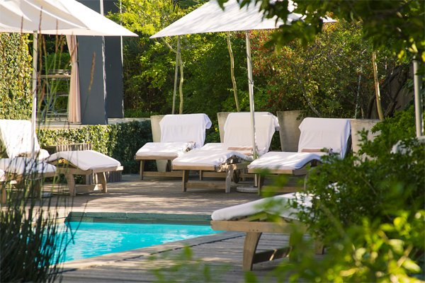 CAPE TOWN  Kensington Place  25% Airline Staff Discount