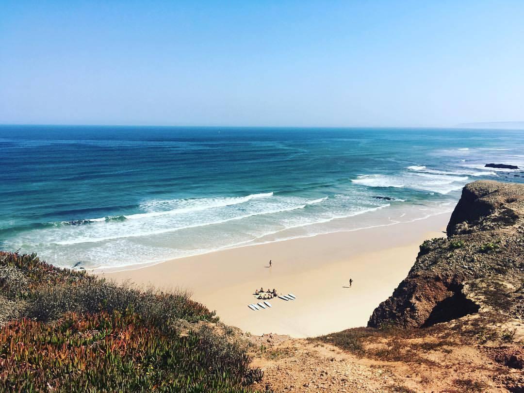 PENICHE, Portugal – Surfers Lodge