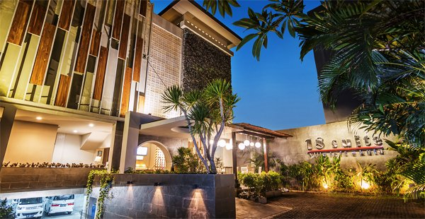 18 Suite – Villa Loft Kuta by AMITHYA