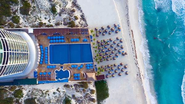 CANCUN Seadust Family Resort –  44% Airline Staff Discount