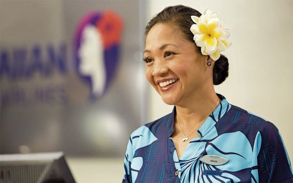 Hawaiian Airlines Flight Attendants Save Girls From Human