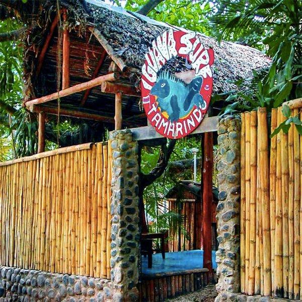 TAMARINDO – Iguana Surf