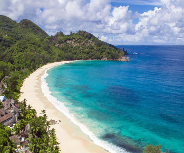 THE SEYCHELLES  Banyaan Tree Seychelles –  35% Airline Staff Discount