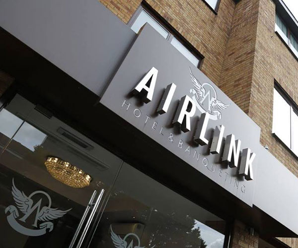 HEATHROW Airlink Hotel – 25% Airline Staff Discount